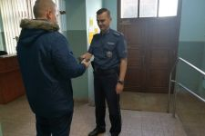 Znaleziony portfel przekazała policjantom